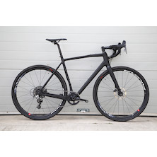 FM616 Sample Gravel Bike / Large / Matt Black / Sram Rival 1
