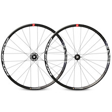 Fulcrum Racing 700 Disc Centrelock Clincher Wheelset / Shimano 11 Speed /QR (Light Use)