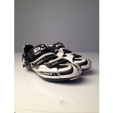 DMT Ultimax RsX Road Cycling Shoes / 41.5 / Black / Silver (Cosmetic Damage)