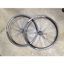 Gipiemme Tecno 324 Shadow Disc Clincher 700c Wheelset / Front 12mm / Rear 12 x 142mm / Shimano/SRAM 10/11sp (Ex-Display)